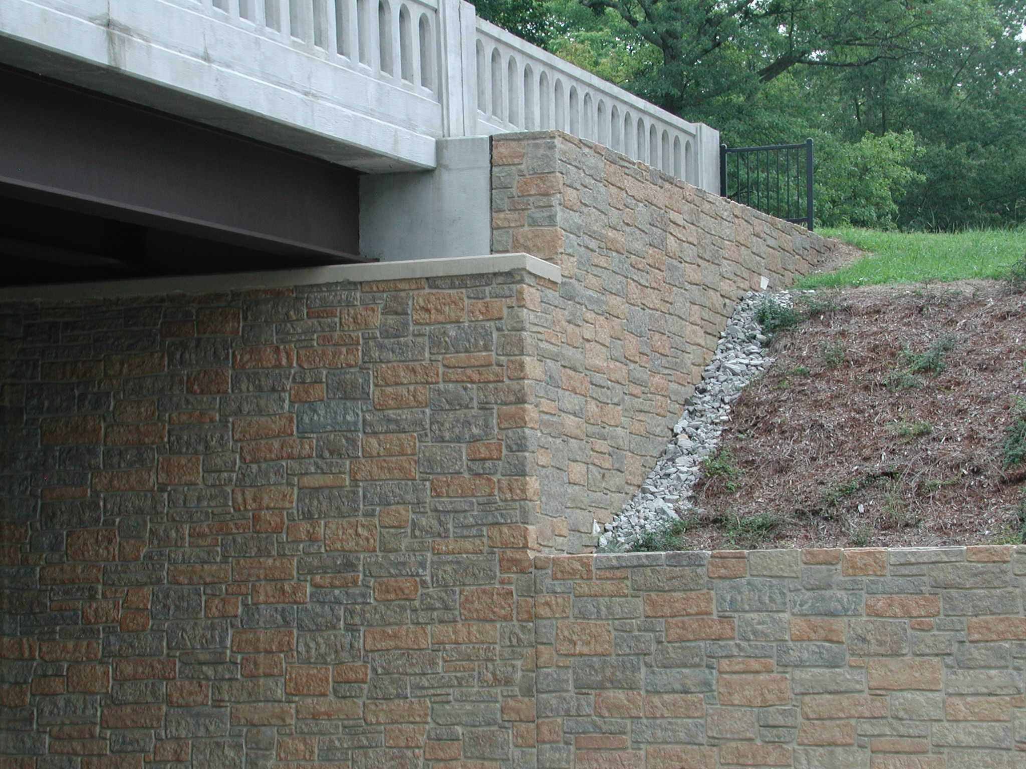 12005-bearpath-coursed-stone-formliner-hq-35